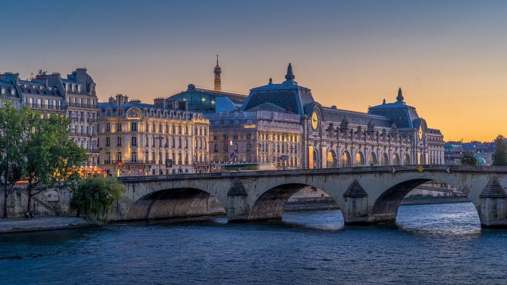 paris-5397889_1920