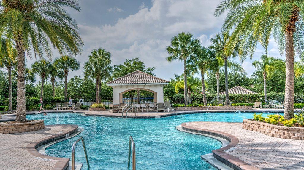 resort-1400082_1920